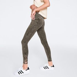edb6fc41029f0 PINK Victoria's Secret Leggings for Women | Poshmark